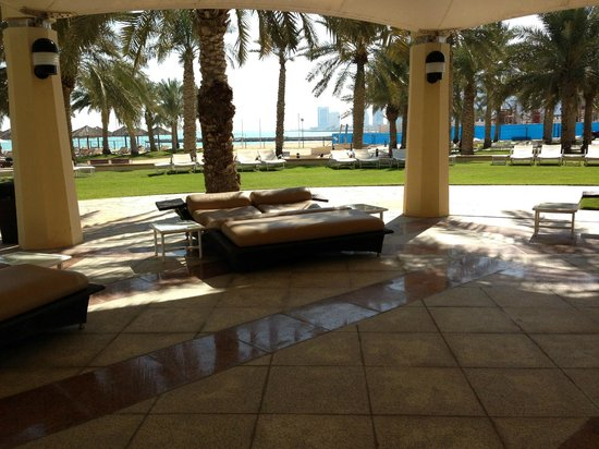 InterContinental Doha: piscina