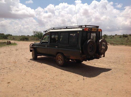 Mimi na Wewe...in Africa! : la Jeep del safari