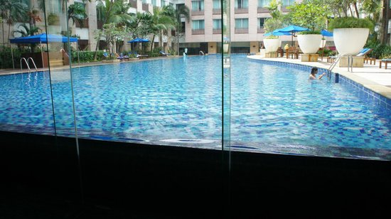 Novotel Jakarta Mangga Dua Square: Swimming pool