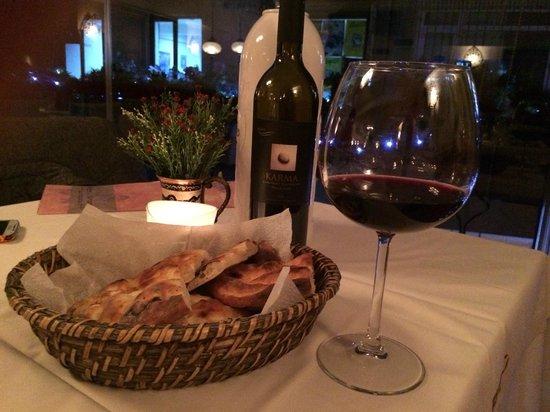 Fuego Restaurant: Bread and wine