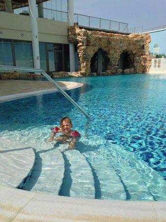La Marquise Luxury Resort Complex: Spa pool