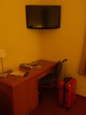 Astoria Hotel : ТВ