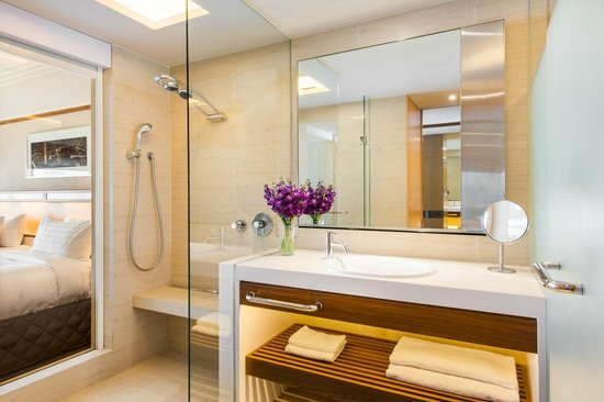 Pan Pacific Singapore: Deluxe Room - Bathroom