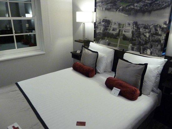 DoubleTree by Hilton London Greenwich: room 409
