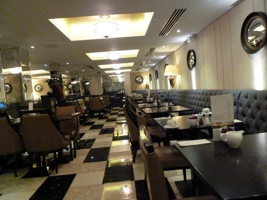 DoubleTree by Hilton London Greenwich: Dining Room