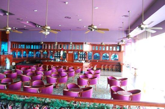 Hotel Riu Palace Paradise Island : show room