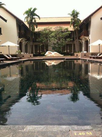 Anantara Angkor Resort: Pool