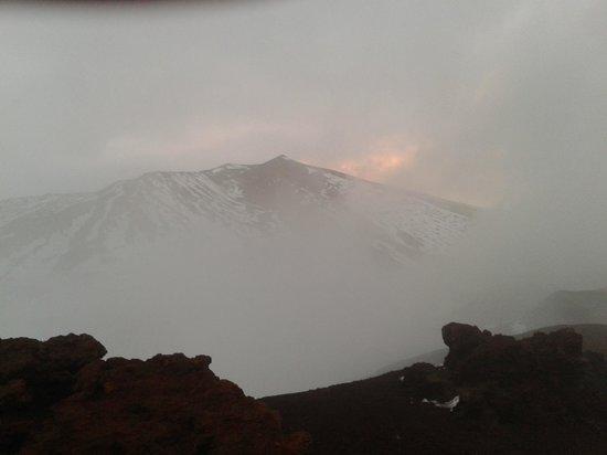 Etna Experience Excursions: Eruzione nella nebbia