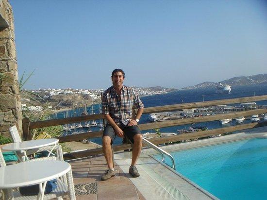 Hotel Paradision: piscina con vista al mar