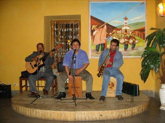 El Batan: peña ,musica en vivo