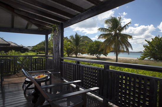 Hermitage Bay: Beachfront Suite Patio