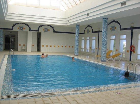 Palais des Iles Djerba Hotel: piscine intérieuere chauffée