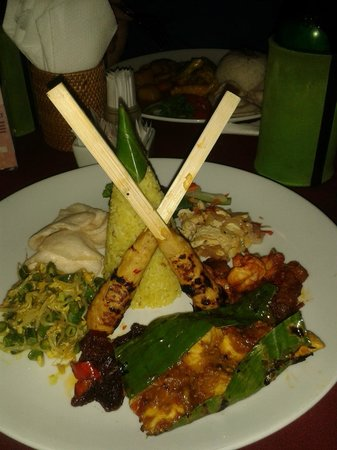 Our's Bar & Restaurant: Mixed Indonesian Plate