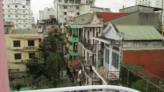 Phuong Hoang - Phoenix Hotel : NEIGHBORHOOD