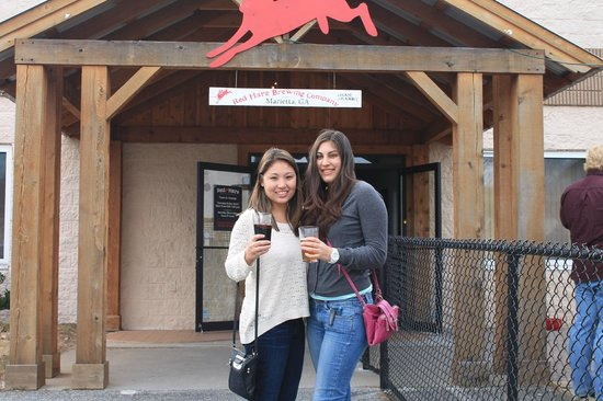 Southern Beer Tours: Out front of Red Hare