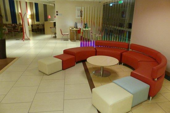 Ibis Budapest Centrum: Lobby area at Ibis Centrum