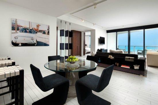W South Beach Sensational Suite Living Room
