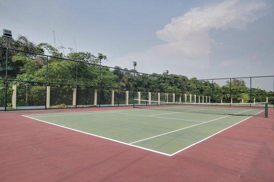 Oyo, República del Congo: Court de tennis