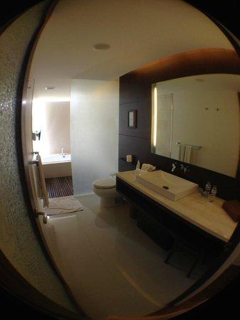 The Wangsa Private Estate: огромная ванная комната