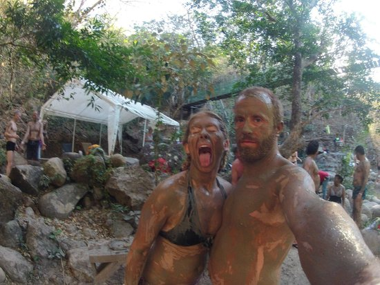 B&B Tranquilo : Steve helped direct us to the greatest activities in CR, like taking a volcanic mud bath! So fun