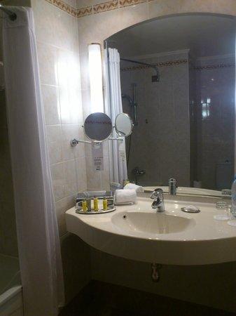 Moscow Marriott Grand Hotel: Ванная