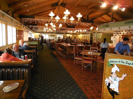 Pea Soup Andersen's : Dining Room