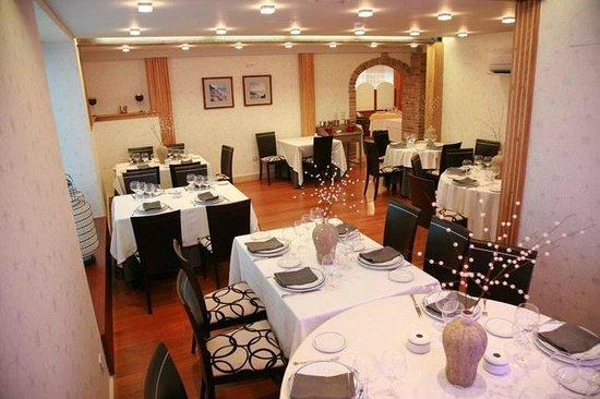 Isla, Spanien: restaurante