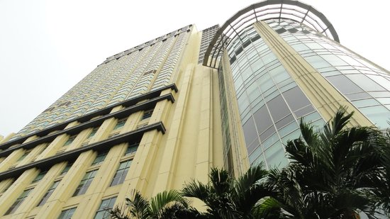 AG New World Manila Bay Hotel: Exterior
