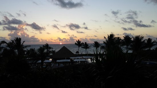 Ocean Coral & Turquesa : Sunset (view from room)