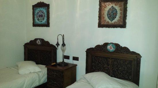 Hotel Nilya: Beautiful Turkish beds