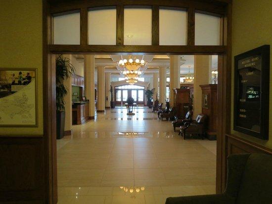 Drury Inn & Suites San Antonio Riverwalk: Hotel lobby