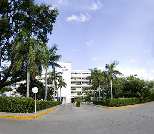Hotel Tamaca Beach Resort: Fachada