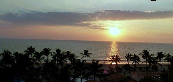 Occidental Nuevo Vallarta: View from Royal Club dining room