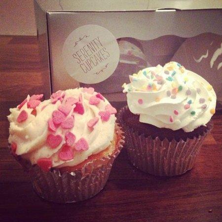 Serenity Cupcakes: Et par lækkeriger med hjem til kæresten! :) De var et hit!