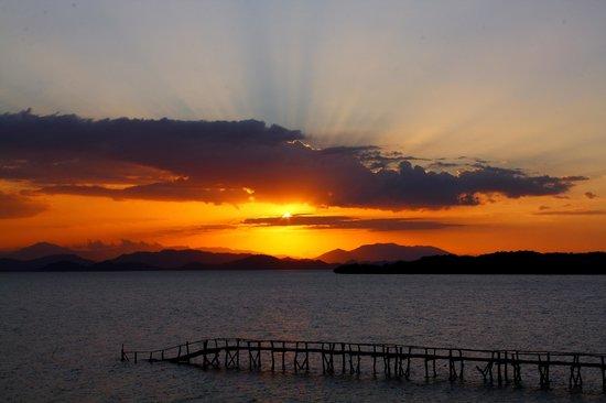 La Ensenada Lodge: Paisaje desde la playa