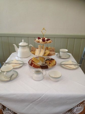 Cafe in the Green: Vintage Afternoon Tea