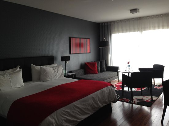 Fierro Hotel Buenos Aires: Very comfortable room with excellent room service food