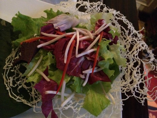 Club Opera Novel: Salad in an edible basket