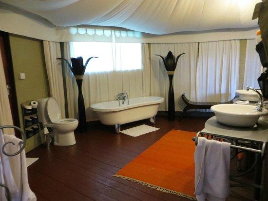 Masek Tented Camp : bathroom