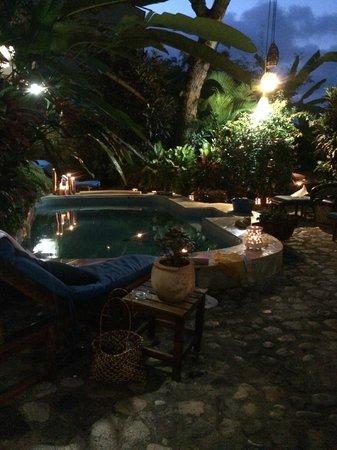 Casa de Piedra : The pool at night!