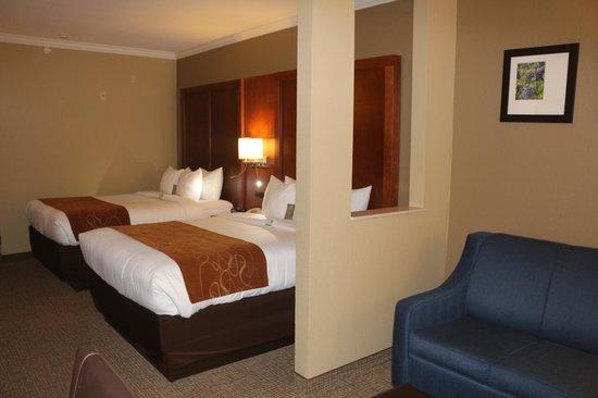 Comfort Suites: Two Queen Bed Room/suite