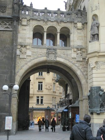 Discover Prague Tours : Specific places are identified, and interesting stories told about them