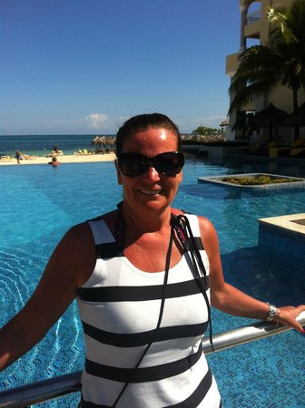 Iberostar Grand Hotel Rose Hall : piscine et mer
