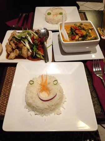 Paknam Pho: smiley faces on the rice, a nice touch