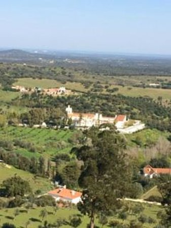Pousada Convento Arraiolos : Looking down on hotel from castle on hill