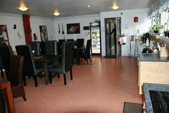 Hostel Selfoss: guests kitchen