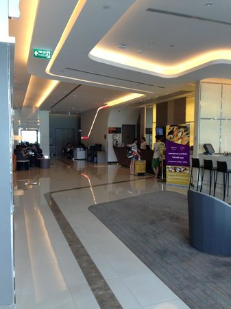 Mercure Bangkok Siam: Reception