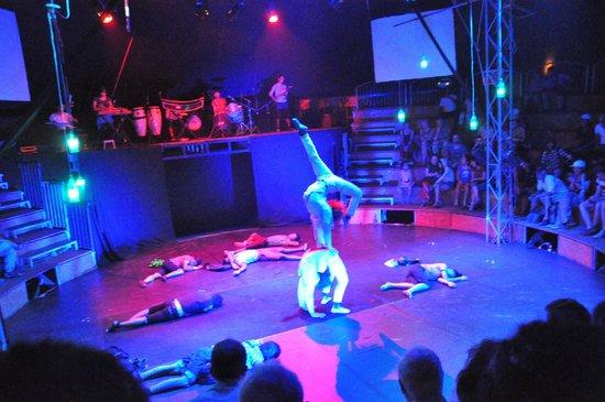 Phare, The Cambodian Circus: Preu (Chills)