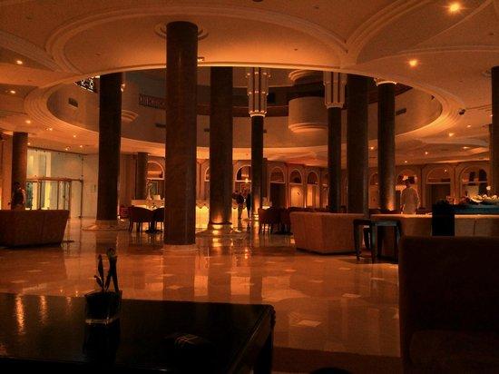 Golden Tulip Taj Sultan Resort: Hall