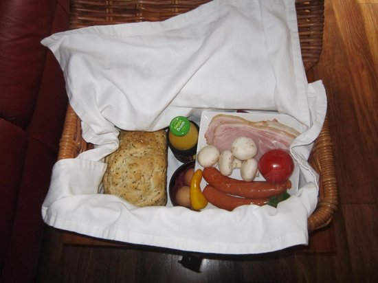 Witches Falls Cottages: Hamper package